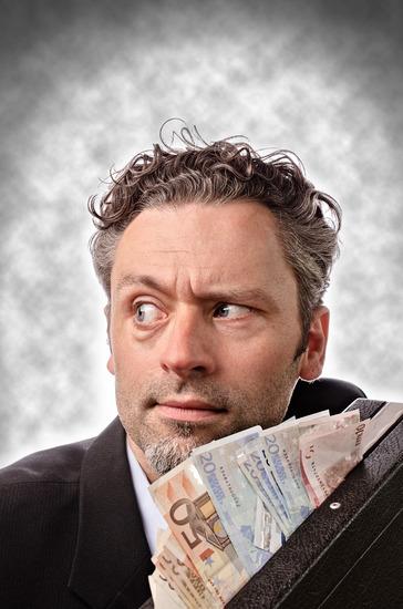 30.000 Euro Courtage für einmal Tür aufschließen? Die Provisionen von Maklern werden oft als zu hoch wahrgenommen